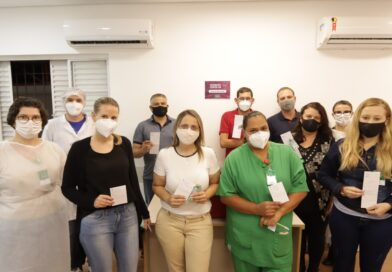 HGU inicia a vacinação dos profissionais da linha de frente
