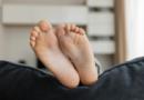 A importância da higiene e dos cuidados rotineiros com os pés