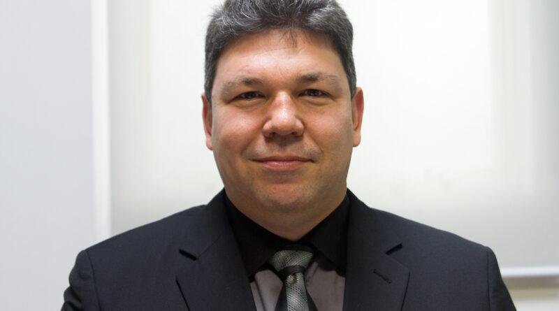 Dr. Luis Francisco