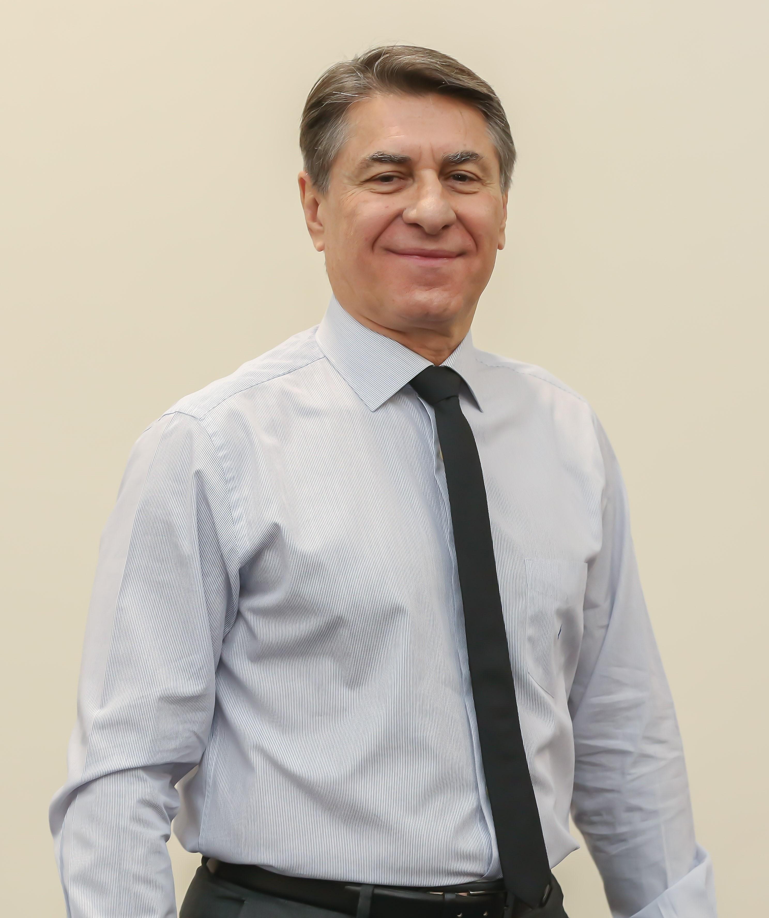 Dr. Paulo Faria, presidente da Unimed Paraná